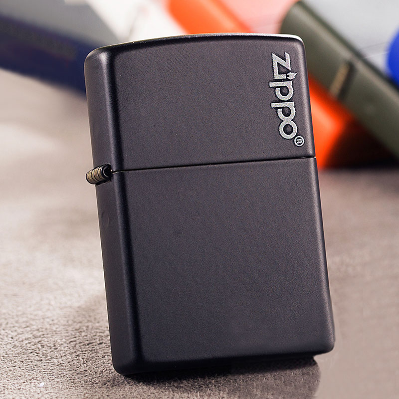 芝宝Zippo打火机 黑哑漆/logo标志 218zl黑哑漆Zippo Logo黑色Zippo标志(Logo)基础款 超经典款