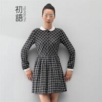 初语冬季新款 撞色复古翻领格纹经典高腰长袖连衣裙女8432412029