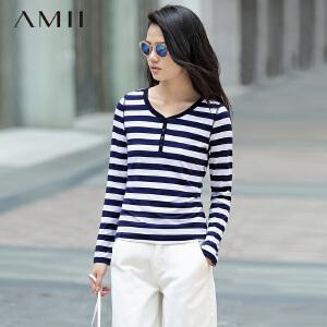 【AMII超级大牌日】[极简主义] 2017年春女新品修身V领纽扣撞色黑白条纹长袖T恤衫